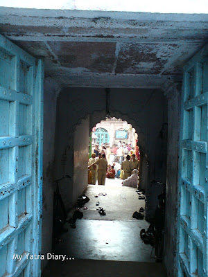 Entrance gate to the Dwarkadheesh Temple, Mathura