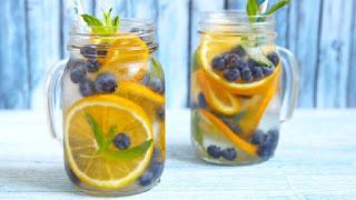Portakallı ve Yaban Mersinli Detoks İçeceği