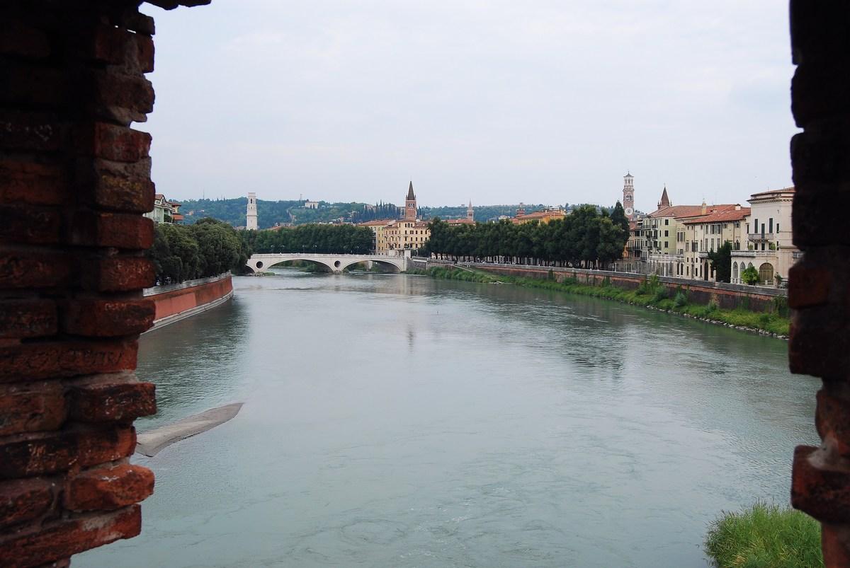 vue depuis pont Scaliger Vérone