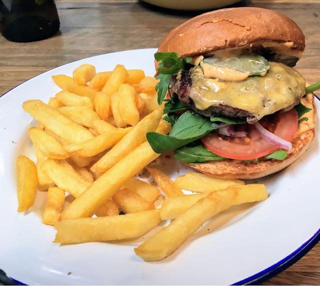 Piggery Cafe, Sherbrooke, waygu burger