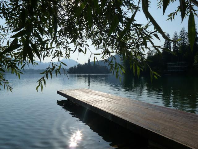Foto del Embarcadero del lago Bled junto al camping. Ruta en autocaravana por Eslovenia  | caravaneros.com
