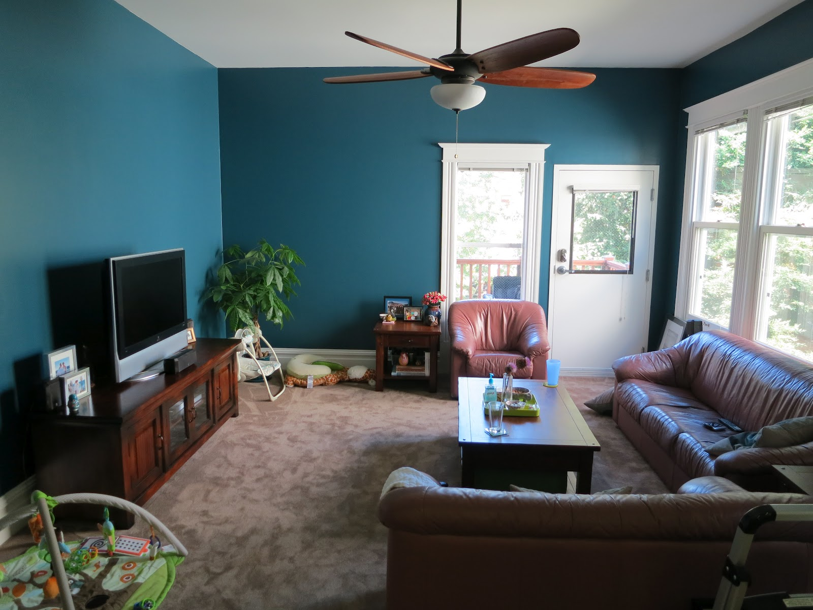 Living Room Wall Colors For Black Furniture | Wall ...