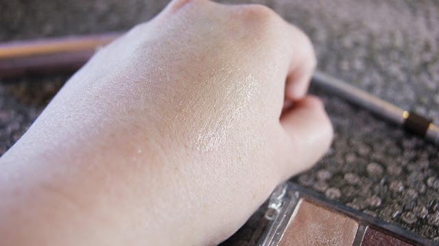NYX High Definition Eye Shadow Base Swatch