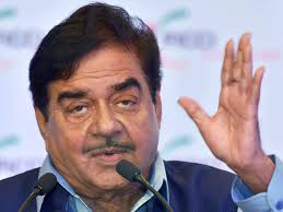 democracy-in-bjp-has-turned-into-dictatorship-says-shatrughn-sinha