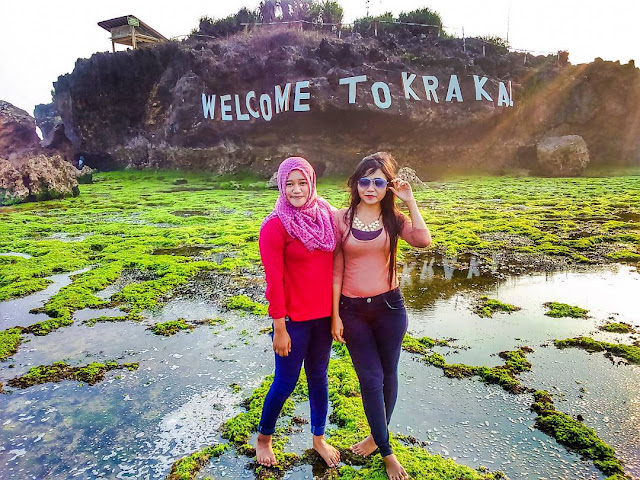 Pantai Krakal, Spot Surfing Dengan Pemandangan Indah di Jogja