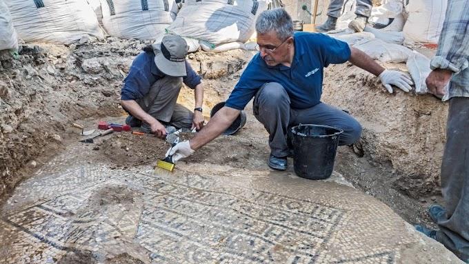 Ανακάλυψαν σημαντικό ελληνικό  ψηφιδωτό  της Βυζαντινής περιόδου 1.500 ετών στο σημερινό Ισραήλ