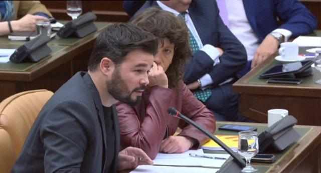 """Rufián reivindica la memoria de José Couso denunciando a Aznar """"uno de los señores de la guerra"""""""