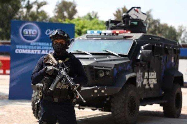 """Fotografías; Llegan las """"Black Mamba"""" los vehículos terrestres blindados y artillados con torreta a Celaya para combatir a El Marro y a El Mencho so su CDSRL y su CJNG respectivamente"""