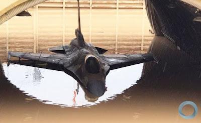 Chuvas Torrenciais submergem F-16 e param Merkavas