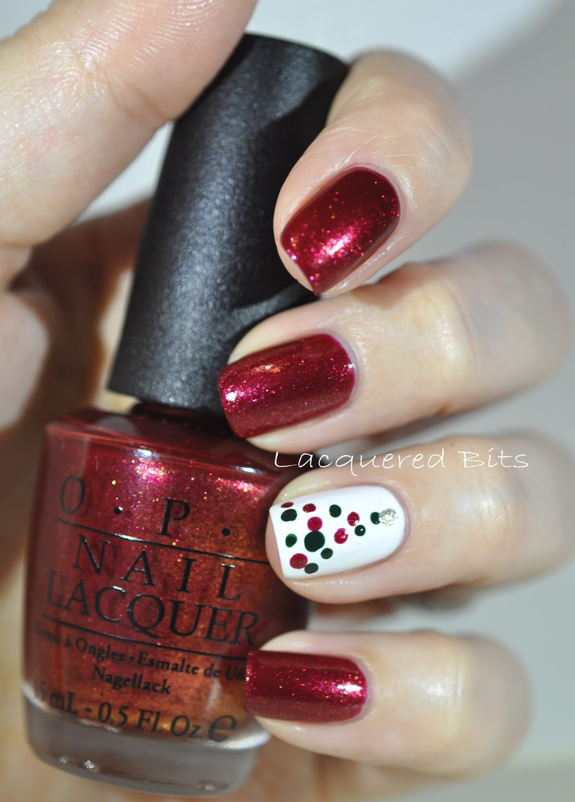 Accent Nail - Lacquered Bits