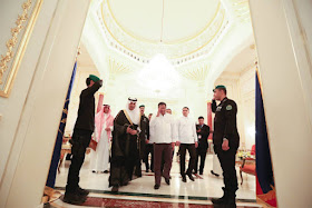 """President Rodrigo Roa Duterte's recently concluded his state visit to the Kingdom of Saudi Arabia. It was a huge hit among locals and the huge number of OFW expatriates in the Kingdom. He was first welcomed by Prince Faisal bin Bandar Al Saud, Governor of Riyadh. The President was housed at the King Saud Royal Guest Palace. The next day, King Salman bin Abdulaziz Al Saud himself welcomed President Duterte. As seen in the video above, many are left wondering where is this place where the two leaders met. It does not seem to be in the capital city of Riyadh.  Actually, that place is called Rawdat Khuraim (also known as the King's Forest).  It is a green oasis, about 100 kilometers outside the capital city of this desert kingdom. Rawdat is arabic for """"garden"""" or """"meadow"""". This protected nature park and animal sanctuary is the favorite place for members of the Royal Family and the public to visit, especially during winter or spring time. Yes, Saudi Arabia experiences winter too. The wildlife park was formally inaugurated in 2005 by King Abdullah, who was still a Crown Prince then. The nature park is even popular among expats. It is a favorite camping place among Riyadh residents, and even for people coming from farther cities like Dammam and Khobar visit this place during holidays. Watch this short exploration video below. When visiting this oasis, you have to be well prepared. The place is HUGE and you are not allowed to go around in your car or SUV. The whole park is fenced around. Visitors usually park near the fence and walk into the park. The farther away you go into the park, the greener it gets. The park itself is divided into three areas. Two-thirds of the park is off-limits to the public. One-third of the park is for the Royal Family. Unbeknownst to many visitors, the Royal Family keeps a residence (more like a palace) within the premises. It is at this Royal Palace where King Salman hosted President Duterte with a state lunch. A third of the Rawdat Khuraim is """