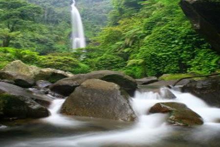 Air Terjun Curug Cipendok di Purwokerto