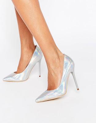 zapatos plateados de tacon alto