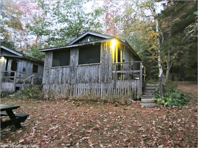 Atardecer en las Cabañas Lakeside Cedar Cabins en Maine