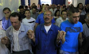 Fechando igrejas e prendendo líderes, Argélia tenta acabar com o cristianismo