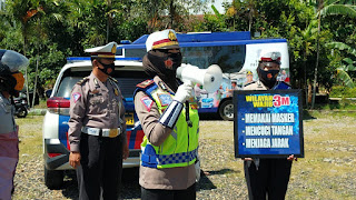Terobosan baru Akp Dharmawaty Kasat lantas Polres Pinrang,Membuat Rest Area batas Pinrang Polman