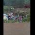 Populares ficam frustrados ao saquear carga de carreta que tombou na BR-282