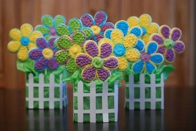 10. Buket kue kering bentuk bunga musim semi.