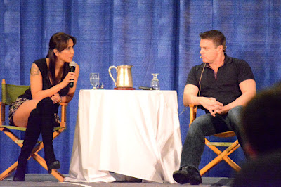 Lexa Doig (Dr. Carolyn Lam) and Michael Shanks (Dr. Daniel Jackson) at Shore Leave 41