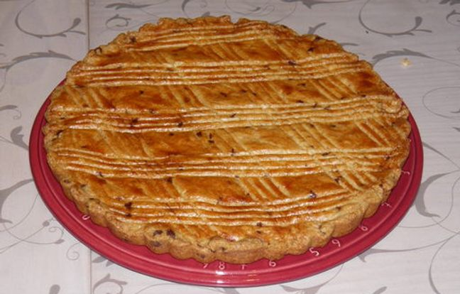 breton sandblasted cake