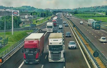 النمسا,وزيرة,النقل,تطيح,بمسؤولين,بارزين,في,شركة,الطرق,السريعة