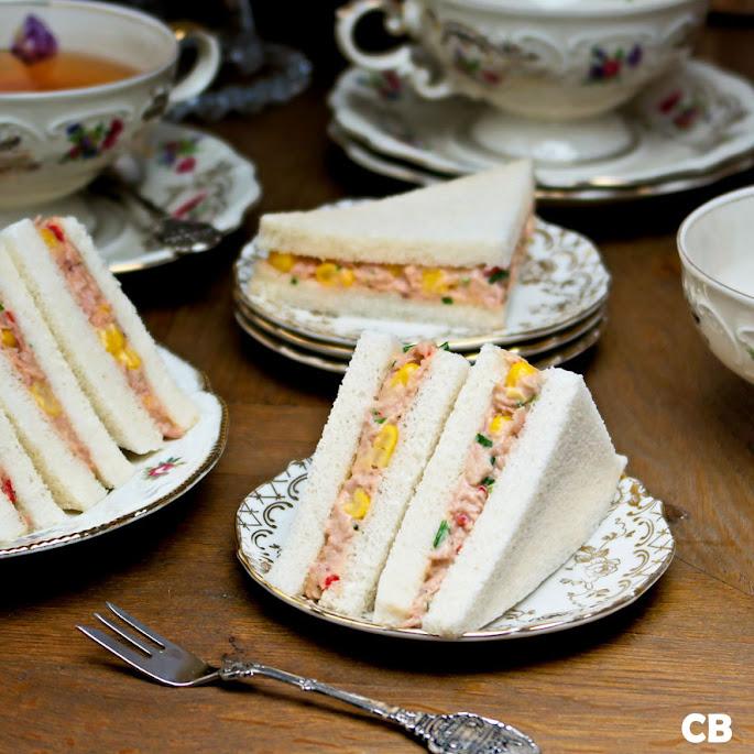 High tea sandwiches met lichtpikante tonijnsalade