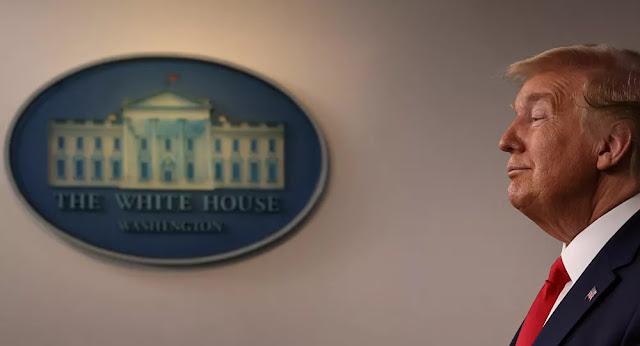 البيت الأبيض: الرئيس الأمريكي يوقع مشروع قانون مكافحة فيروس كورونا