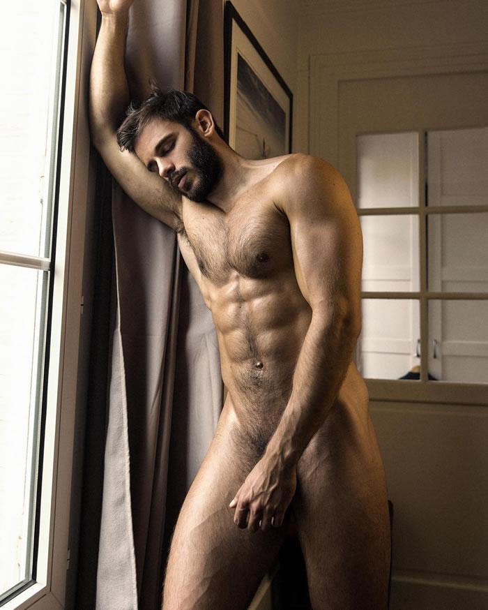 mesir-nude-male-tanya-naked-gif