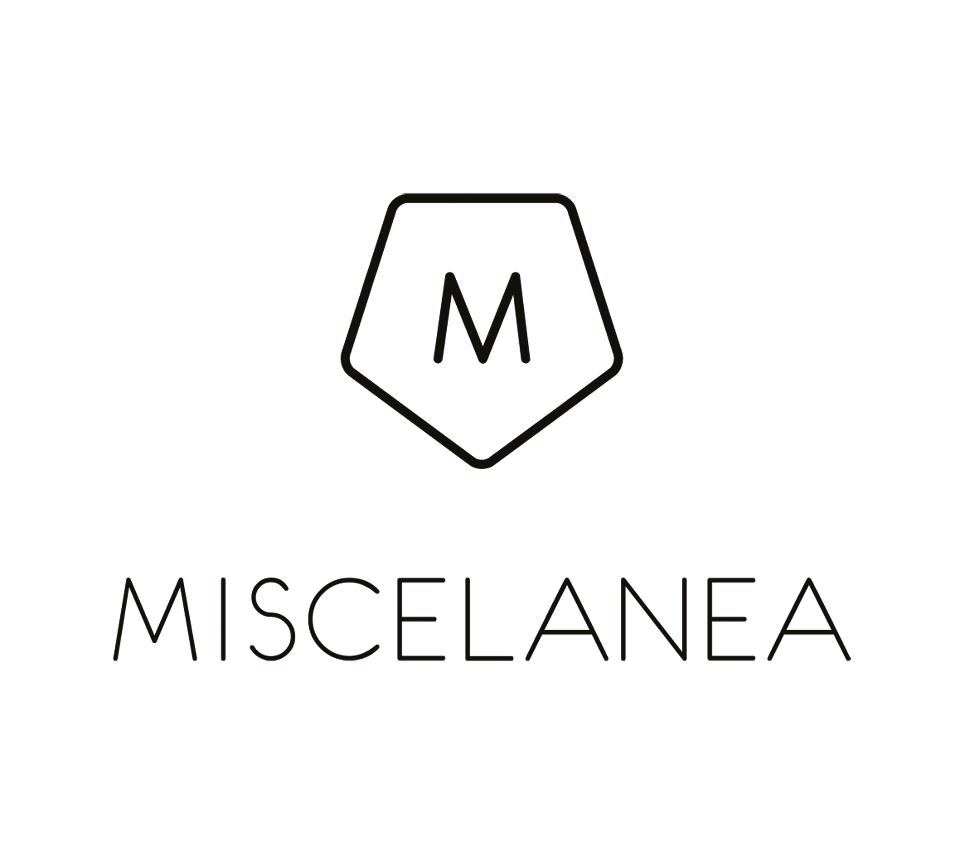 http://www.miscelanea.info/e904/hand-holds-gold-hand-holds-sand