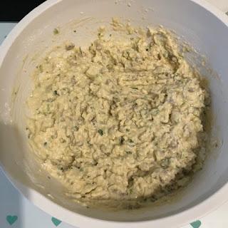 Pâte crue du breadcake à la courgette et aux graines de tournesol