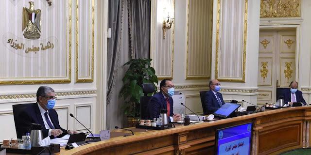 رئيس الوزراء: منح الرئيس السيسي وسام القائد من البرلمان العربى يعكس المكانة التى يتمتع بها فى المنطقة