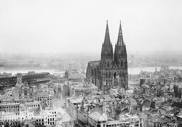 [Viajando na História] O mês de Outubro na História - Inauguração da Catedral de Colônia (Alemanha)