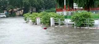 चंद घंटों की बारिश में फिर पानी-पानी हुई राजधानी, विधानसभा परिसर सहित कई इलाके जलमग्न