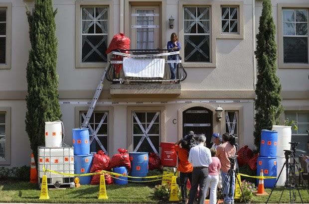 Morador do Texas faz decoração de halloween com tema de ebola