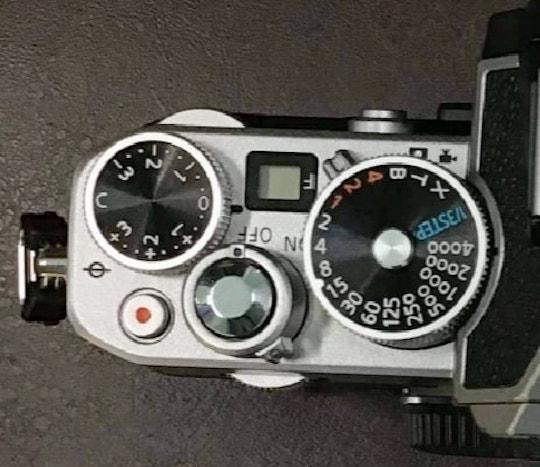 Диски управления новой камеры Nikon c APC-C-сенсором