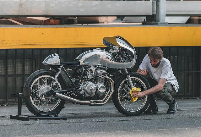 Honda CB400 By 2VMotos Hell Kustom