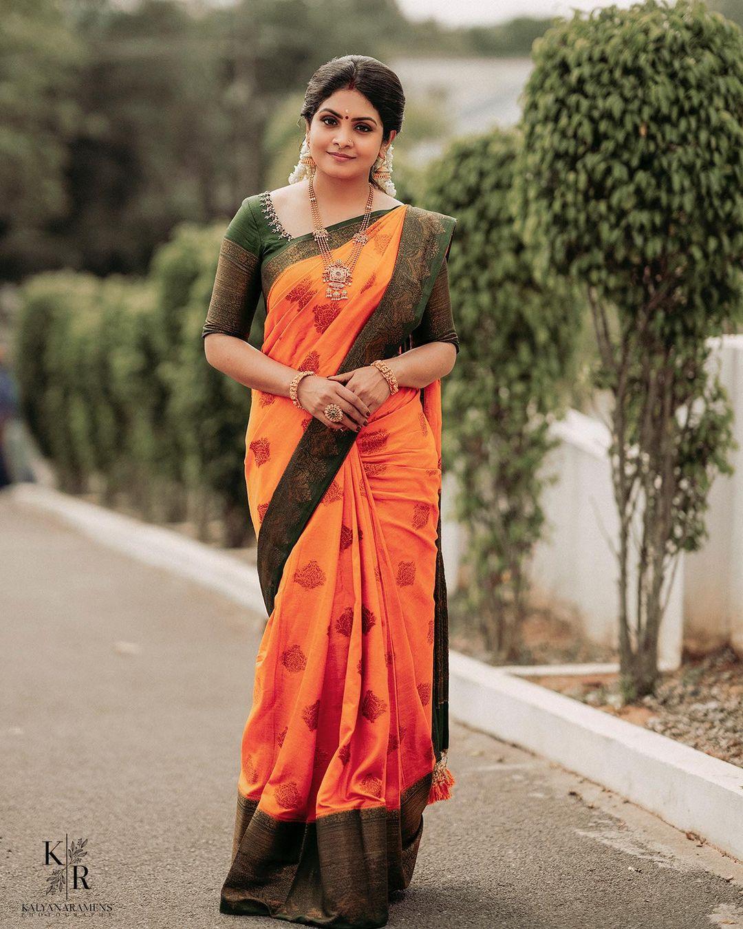 Mallu Serial Actress Gayathri Arun Photos