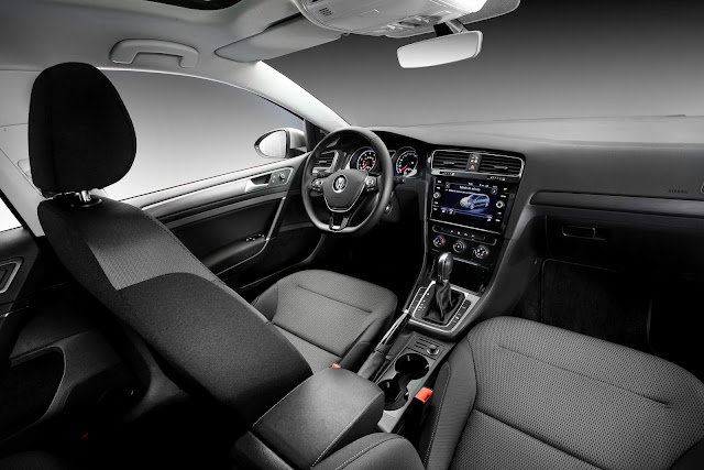 VW Golf Comfortline 200 TSI Automático 2019 - interior