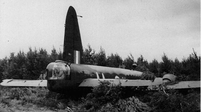 Wellington bomber crash landing in England, 13 August 1941 worldwartwo.filminspector.com