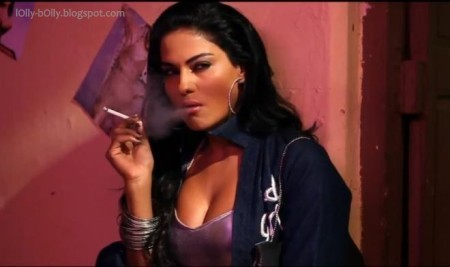 Veena malik hottest scenes