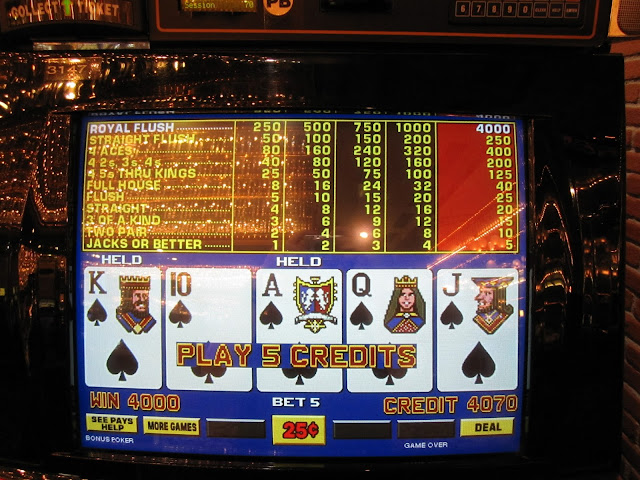 video poker royal flush four queens
