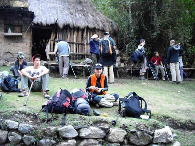 Tudo o que precisa saber sobre o CAMINHO INCA para Machu Pichu - We survive the INKA TRAIL | Peru