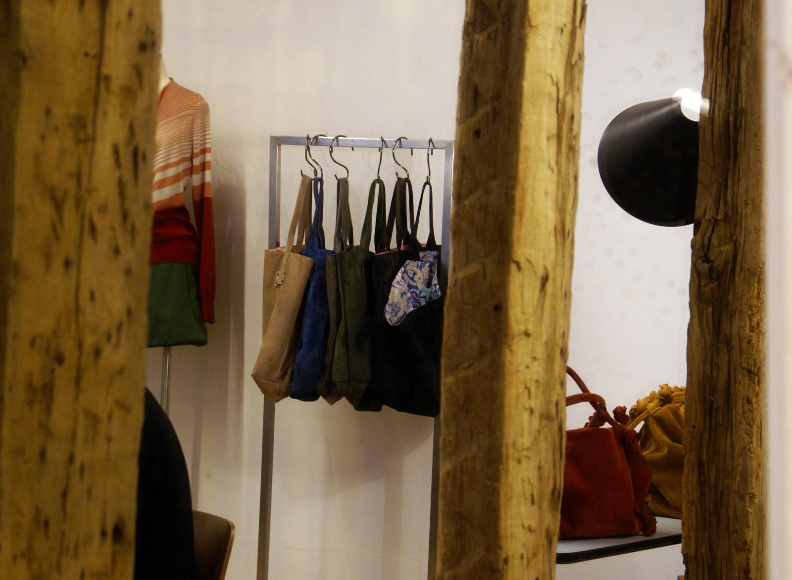 Les garçons aux foulards  septembre 2011 d6307bfb3f91