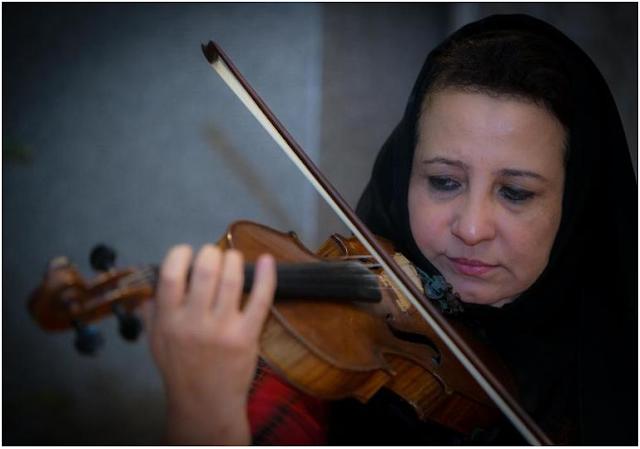 جهاد الخالدي عازفة الكمان