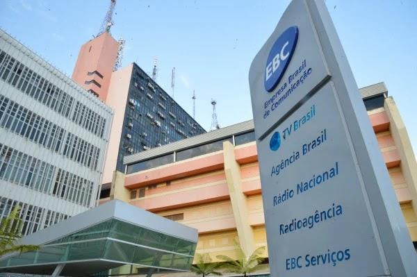 A EBC, Empresa Brasil de Comunicação, e a Eletrobras foram incluídas no programa de privatização do governo federal. Os decretos assinados pelo presidente Jair Bolsonaro foram publicados nessa sexta-feira no Diário Oficial da União.