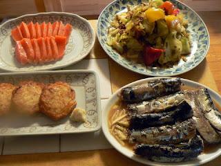 いわしの味噌煮 挽肉とキャベツ炒め さつま揚げ焼き 刺身