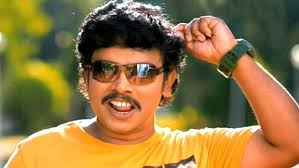 Sampoornesh Babu Family Wife Son Daughter Father Mother Age Height Biography Profile Wedding Photos