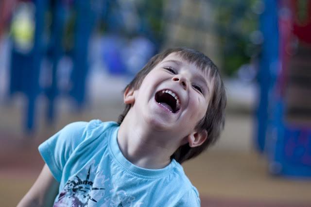 فوائد الضحك للجسم