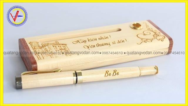 Bút gỗ khắc tên theo yêu cầu mẫu 3