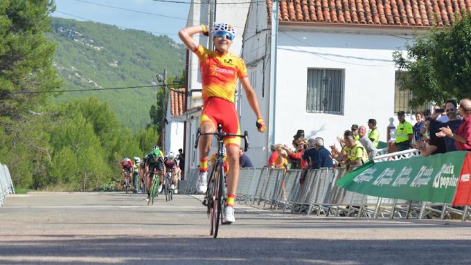 Carlos Rodríguez ganó la tercera etapa de la Volta a Valencia Sub23, corriendo con la selección española